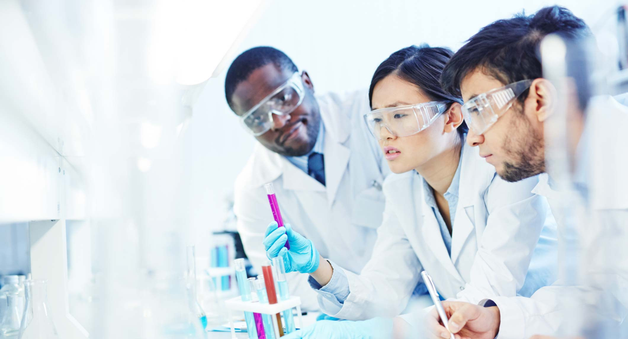 gender differences in science Showed that for this sample there continue to be significant gender differences in  science experiences, attitudes, and perceptions of science courses and careers.