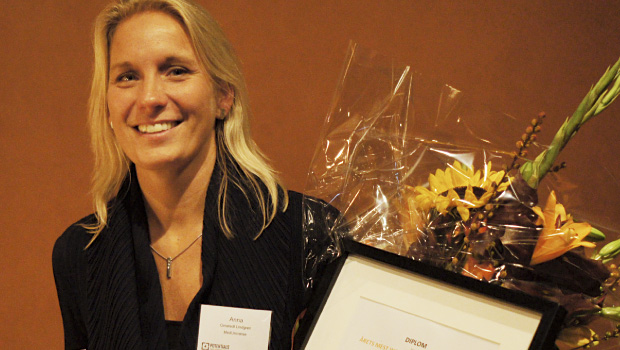 "Anna receiving the prize of ""the most inspiring co-worker"" at Executive Inspiration 2014"